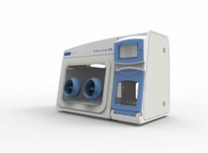Oxygen-controlled workstation by Baker-Ruskinn